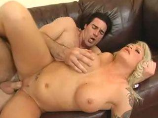 Sportif baise sa voisine