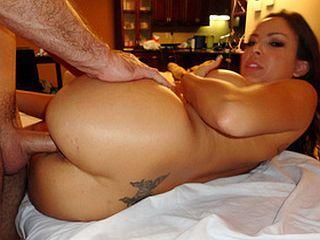 Il baise une cliente de son salon de massage