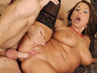 Cette mère de famille adore l'anal