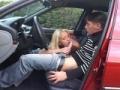 Baise dans la voiture