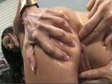 Une fouille anale vire en sodomie