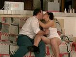 Un couple libertin aime les pr�liminaires et la baise