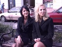 Deux copines de travail se font enculer par un noir