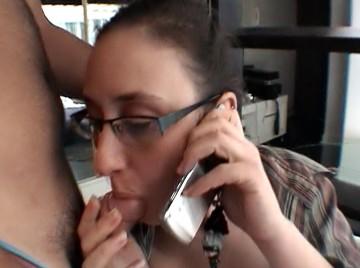 En telephonant a son patron 7