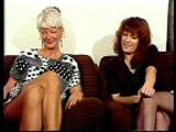 Deux femmes mûres aux foufounes poilues s'offrent une séance de cunnilingus