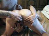 Femmes fistées dont une amatrice mature