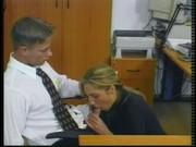Elle suce son boss au boulot