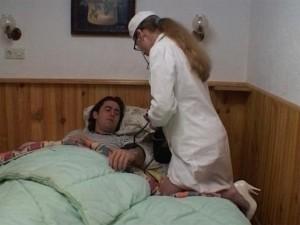 Jeune infirmiere cochonne