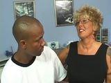 Mamie salope defoncee par un black