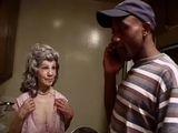 Mamie se fait enculer par un black