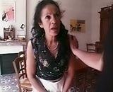 Mature arabe femme de menage se fait limer