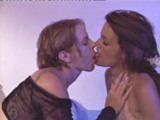 Angel broute le minou de Nina Roberts