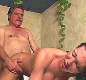 Son papa encule une trans br�silienne
