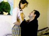 Une teen de 19 ans bais�e par son oncle