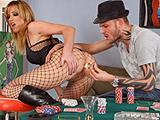 Poker se termine en porno