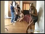 Un journaliste assiste � un tournage de porno