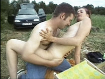 Amateur nique sa copine avec un collègue de travail