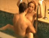 Un �tudiant baise sa meuf dans la piscine