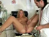 Un gynecologue vicieux