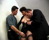 Une amatrice baisee par deux collegues de travail