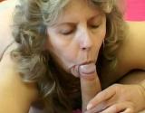 Femme cougar qui aime la bite